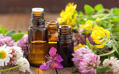 Aromatherapy – How to Use Essential Oils Safely & Effectively